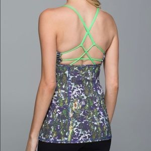 Lululemon Dancing Warrior Tank - Sz 8 - GUC